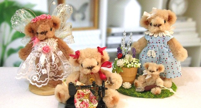 tiny teddies by elke cute miniature pipe cleaner crafted