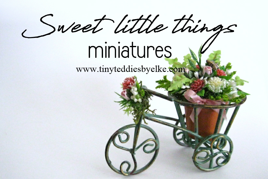 Miniature tricycle flower pot holder